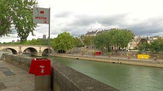 Parigi, orinatoi nel centro storico, ma almeno sono eco-friendly