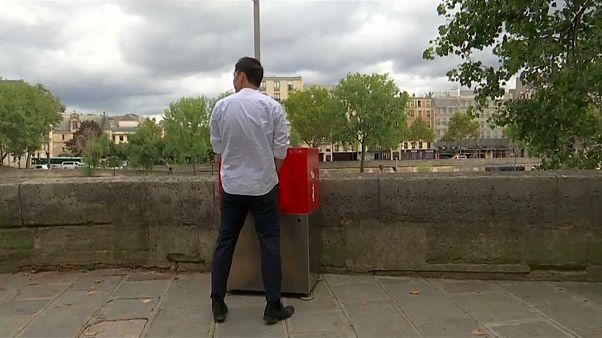 مراحيض عامة في الهواء الطلق تثير غضب سكان باريس
