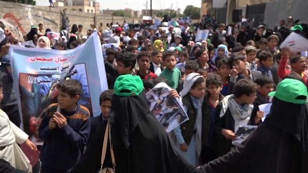 Yemen: donne e bambini protestano davanti alla sede Onu