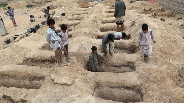 تشییع کودکان کشتهشده یمن توسط ائتلاف به رهبری عربستان