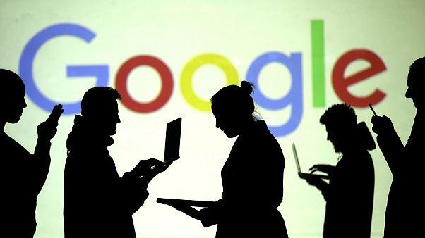 A Google nyomon követi a felhasználót