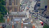 اصطدام سيارة بحواجز خارج البرلمان البريطاني يتسبب في إصابة عدد من المارة