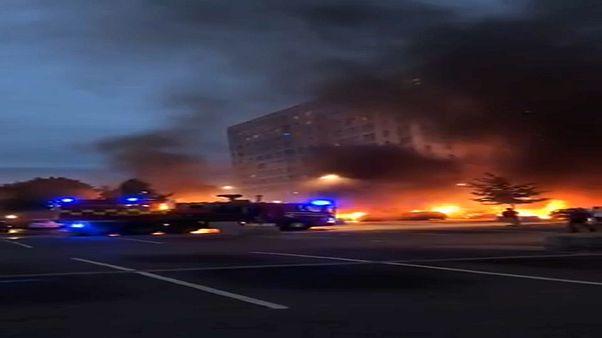 Mais de 100 carros incendiados na Suécia