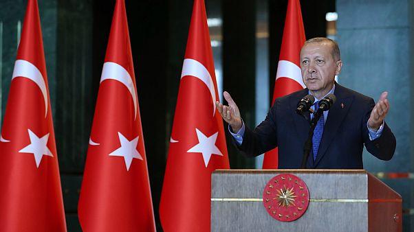 Erdoğan: Amerikan ürünlerine boykot uygulayacağız