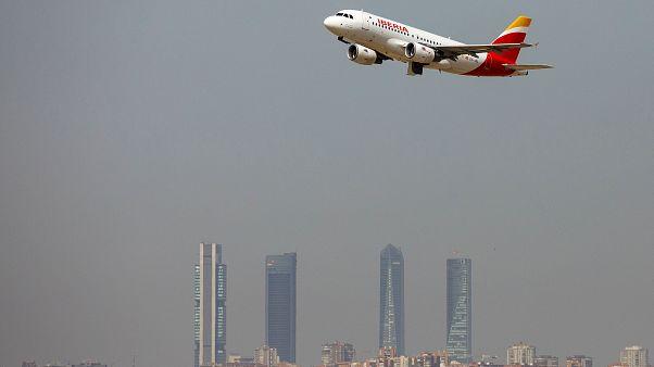 Los aeropuertos españoles registran un 3,2% más de viajeros en julio