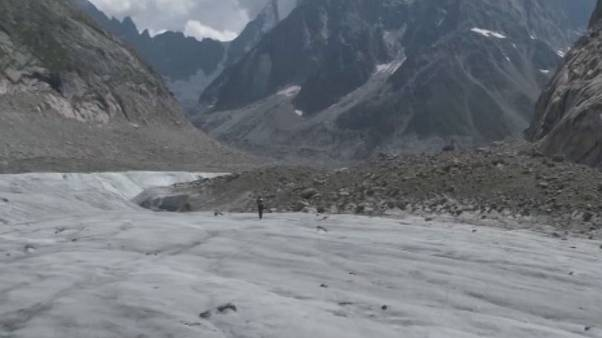 Watch: Swiss mountaineer breaks speed record at Mont Blanc