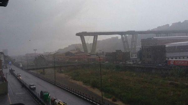 İtalya'da köprü çöktü, en az 22 kişi hayatını kaybetti