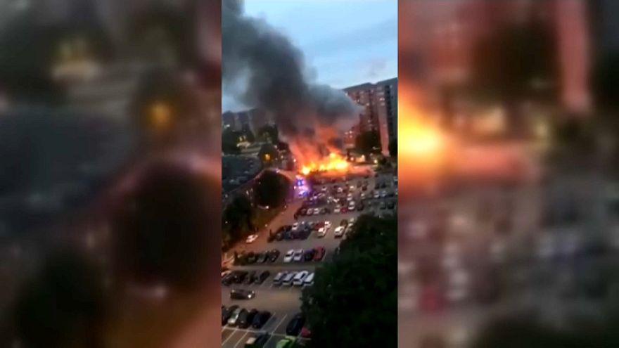 Des voitures incendiées en Suède