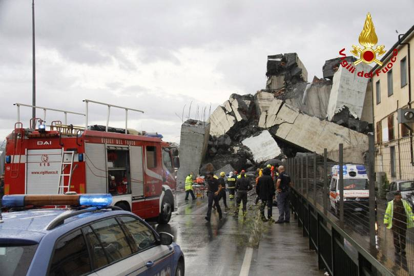 Italian Firefighters Press Office/Handout via REUTERS