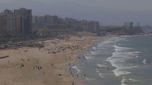 فيديو: شواطئ لبنان تعاني بسبب كارثة النفايات