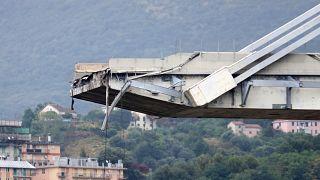 Teil der Brücke in Genua, an dem der Bruch passiert ist