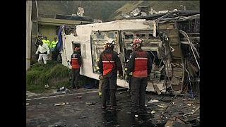 Ecuador permanece sumido en la tragedia tras un nuevo accidente de autobús
