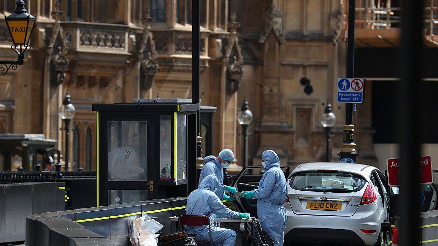 London: Polizei untersucht Terror-Hintergrund