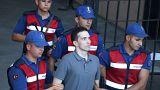 محكمة تركية تطلق سراح جنديين يونانيين متهمين بالتجسس