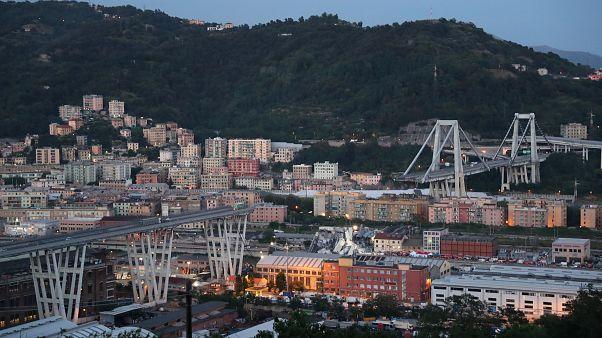 10 Bilder vom Einsturz der Autobahnbrücke Morandi, die Genua nicht vergessen wird