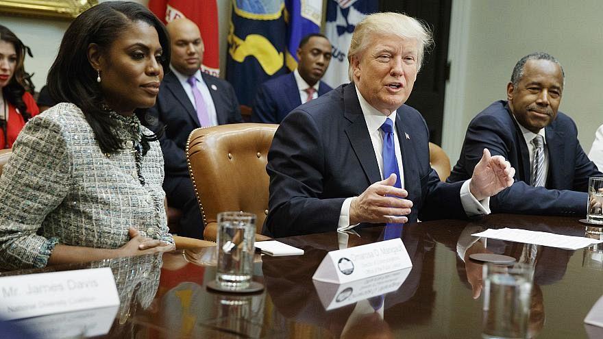 """ترامب يصف مساعدته السابقة في البيت الأبيض أوماروسا ب """"الكلبة"""""""