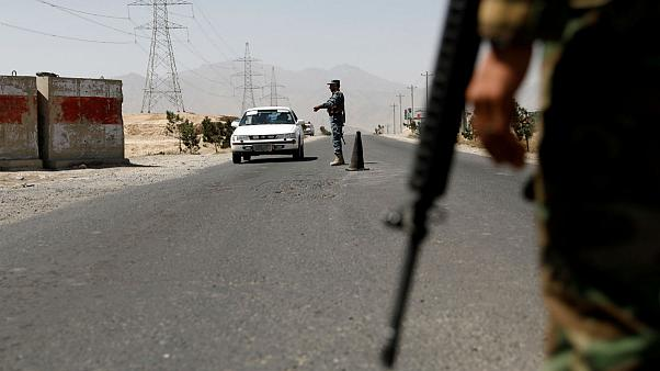 طالبان تهاجم موقعا للجيش الأفغاني وتقتل العشرات