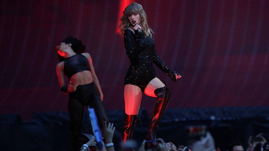 """Den Tränen nah - Taylor Swift (28): """"Danke, dass Ihr im schrecklichen Moment für mich da wart"""""""