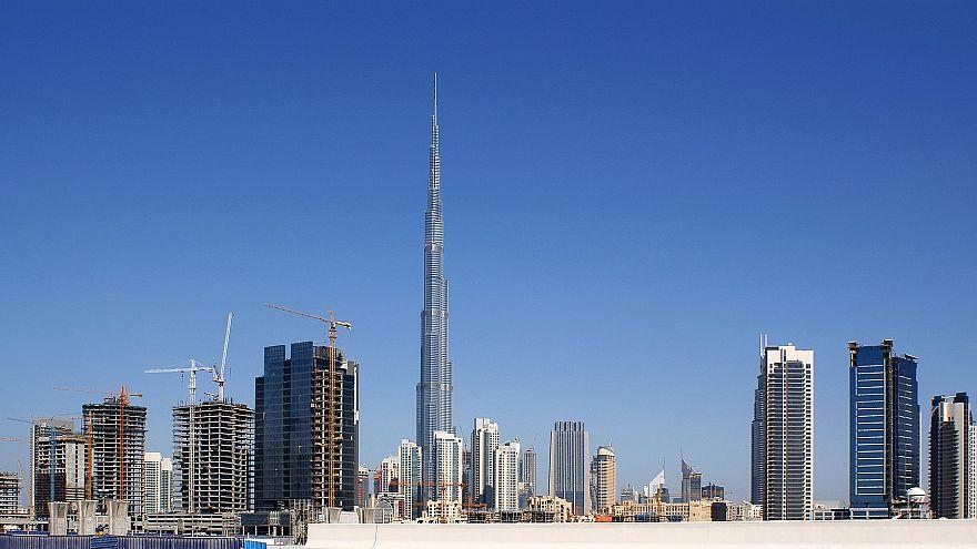 وفاة عاملين إثنين في الإمارات إثر وقوعهما في مصهر للألمنيوم