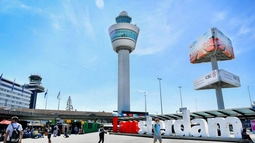 توقف الرحلات الجوية من وإلى مطار سخيبول بأمستردام بسبب مشكلة في حركة المراقبة الجوية