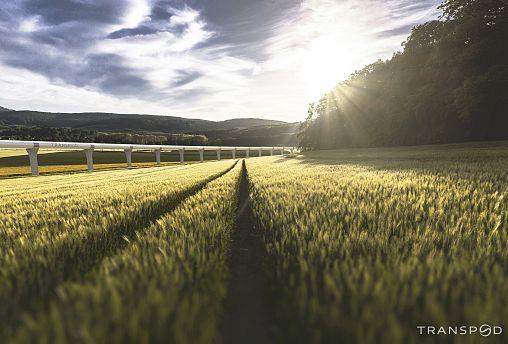 Le train du futur s'installe dans la campagne française