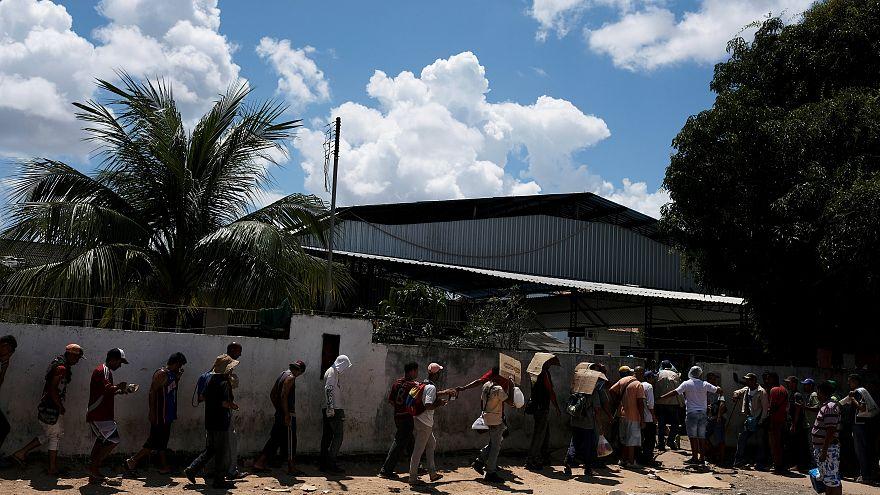 Miles de venezolanos emigran por la crisis