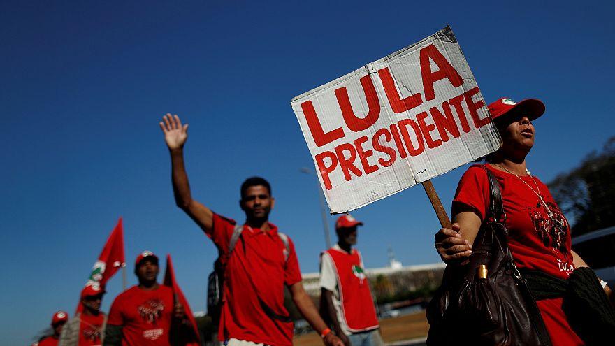 Brésil : emprisonné, Lula se porte candidat à la présidentielle
