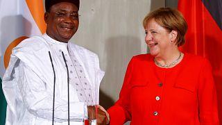 Merkel und Issoufou auf Schloss Meseberg