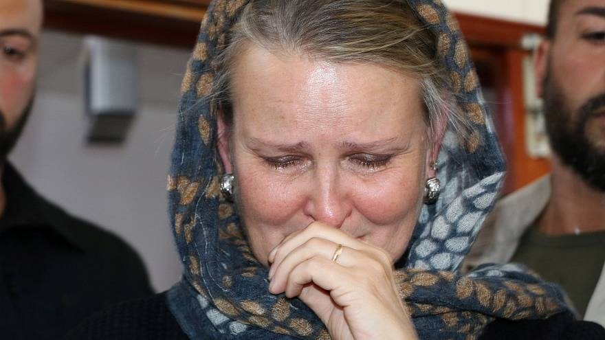 ناراحتی و اشک نماینده سازمان ملل در يمن هنگام بازدید از بیمارستانی در صنعا