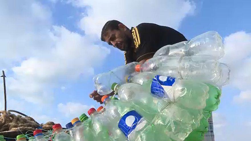 Gaza: la barca fatta con le bottiglie