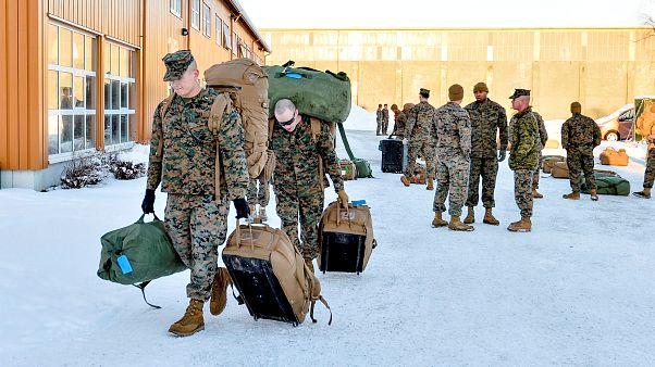 Infantes de marina estadounidenses llegan a Stjordal, Noruega en 2017.