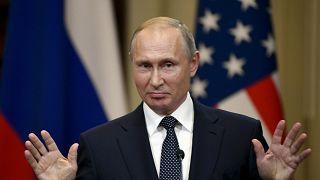Críticas a la ministra de exteriores austriaca por invitar a Putin a su boda