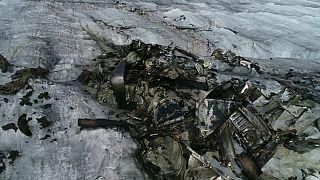 شاهد: ذوبان الجليد يكشف عن حطام طائرة سقطت في سويسرا قبل 72 سنة