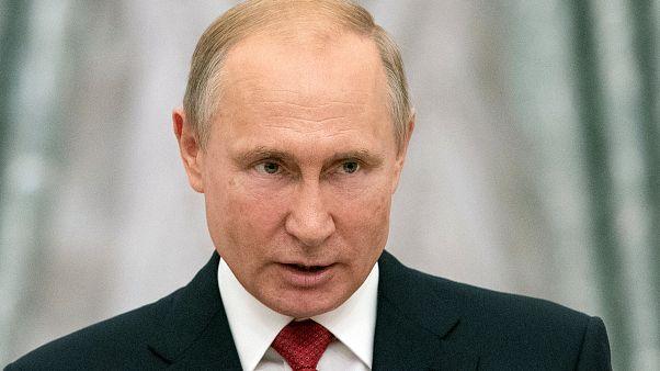 Ο Πούτιν στον γάμο της αυστριακής ΥΠΕΞ