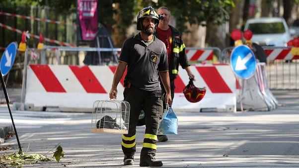 Italia trabaja a contrarreloj para encontrar supervivientes