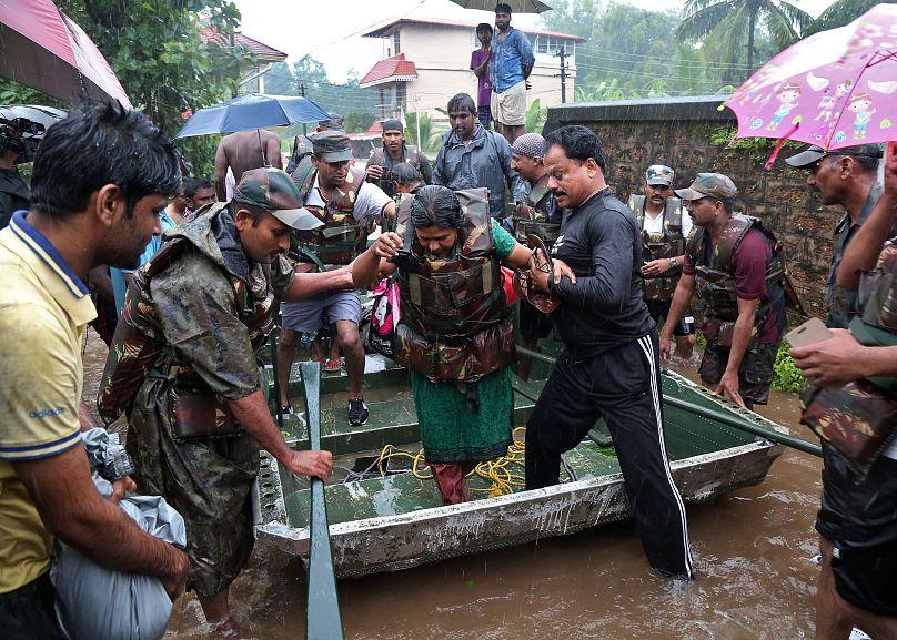 Inde : des inondations font au moins 324 morts dans l'État du Kerala