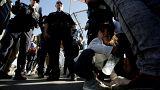 Trump'ın ebeveynlerinden ayırdığı göçmen çocuklar ailelerine kavuşuyor