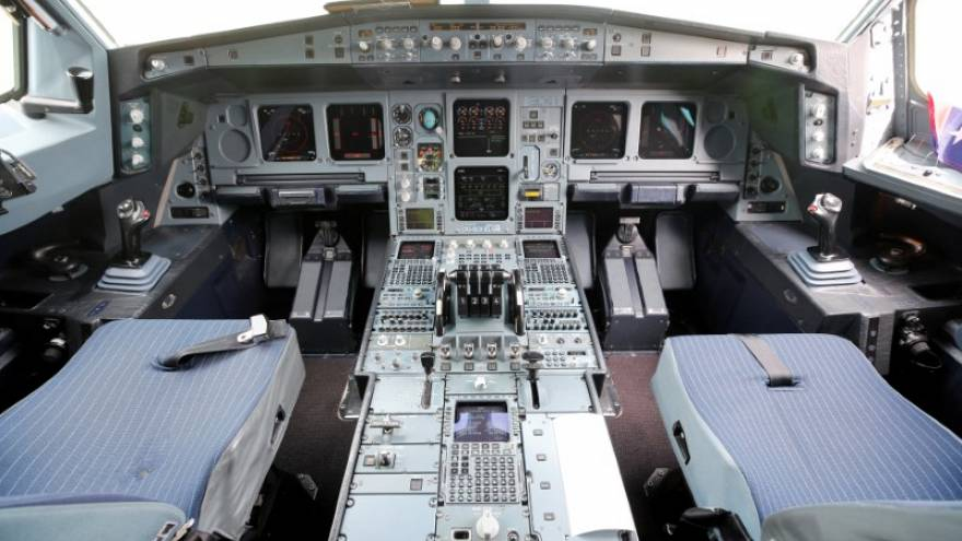 Das Cockpit einer Airbus-Maschine