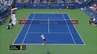 Tenisz: Az eső közbeszólt