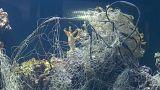 Pécs, Ungheria: un acquario pieno di plastica come gesto creativo di protesta