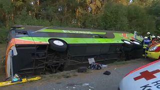 Γερμανία: Λεωφορείο εξετράπη της πορείας του- Πολλοί τραυματίες