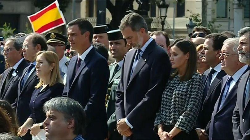 Barcellona ricorda le vittime dell'attentato