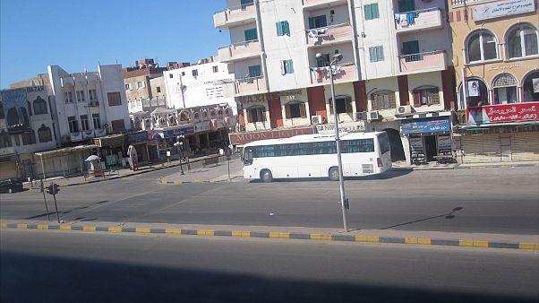 8 قتلى و 14 جريحا في تصادم حافلتين في مصر