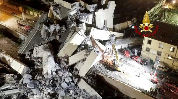 حطام جسر جنوة المنهار يوم 14 أغسطس آب 2018