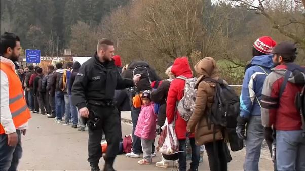 Accordo Berlino-Atene sul respingimento dei migranti alla frontiera