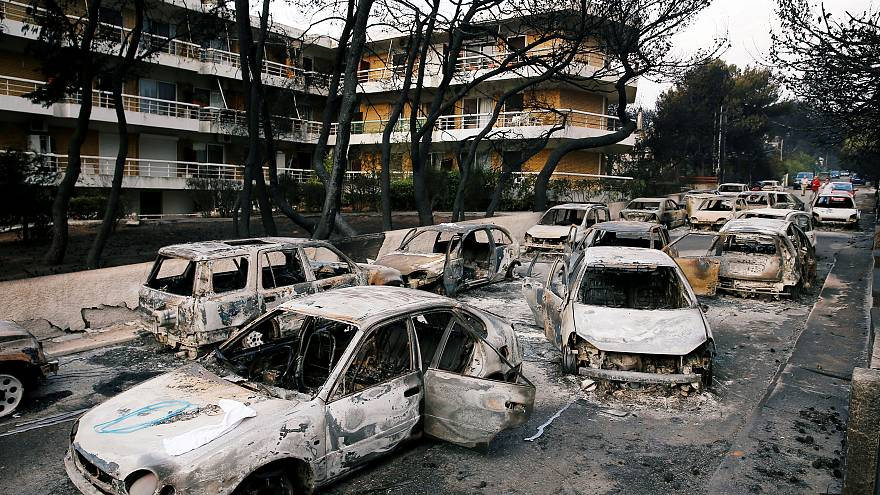 Una víctima del incendio de Attica denuncia al ministro