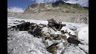 El deshielo de un glaciar descubre un avión de la Segunda Guerra Mundial