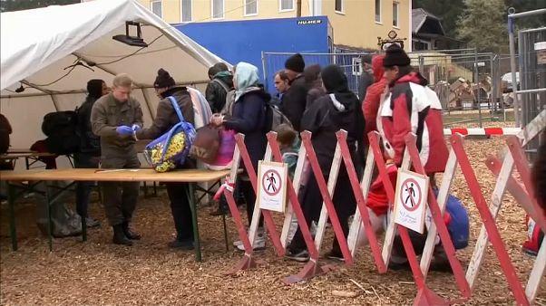 أبواب ألمانيا مواربة تدريجيا بوجه المهاجرين. برلين تتفق مع أثينا بشأن استعادة طالبي اللجوء