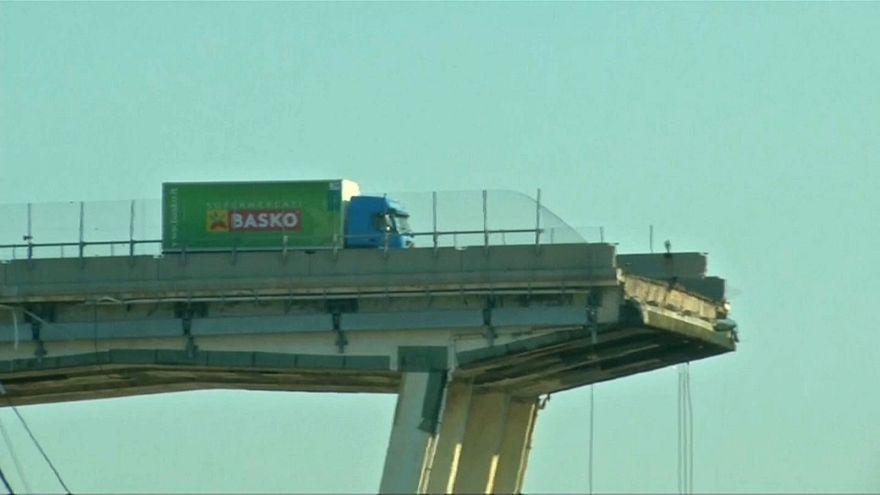 شاهد: سحب الشاحنة الخضراء العالقة فوق جسر جنوة المنهار