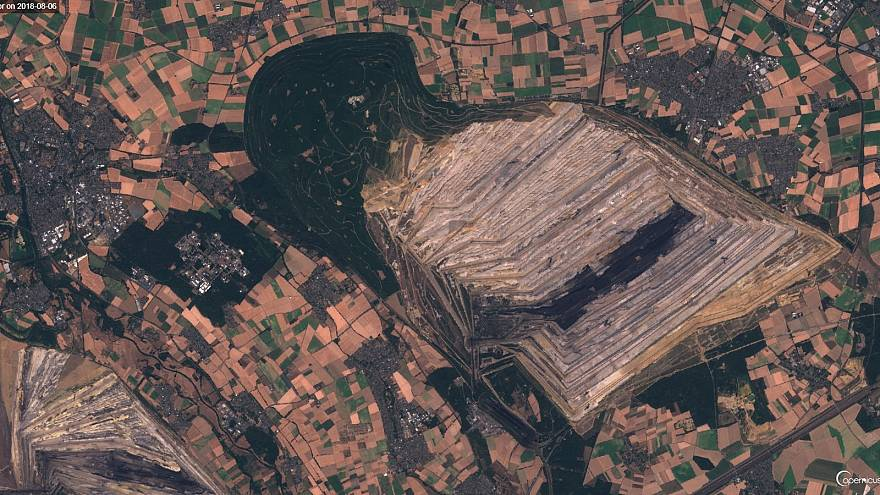 Vídeo: el imparable avance de la mina de Hambach en Alemania